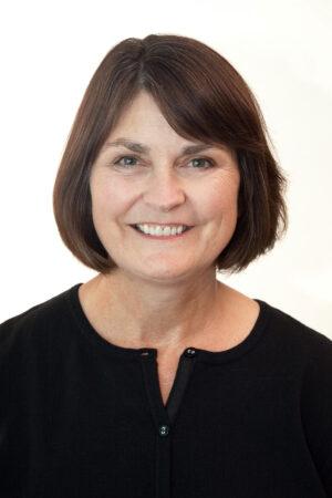Lynn Byczynski headshot