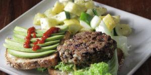 Lentil burger with vegetables